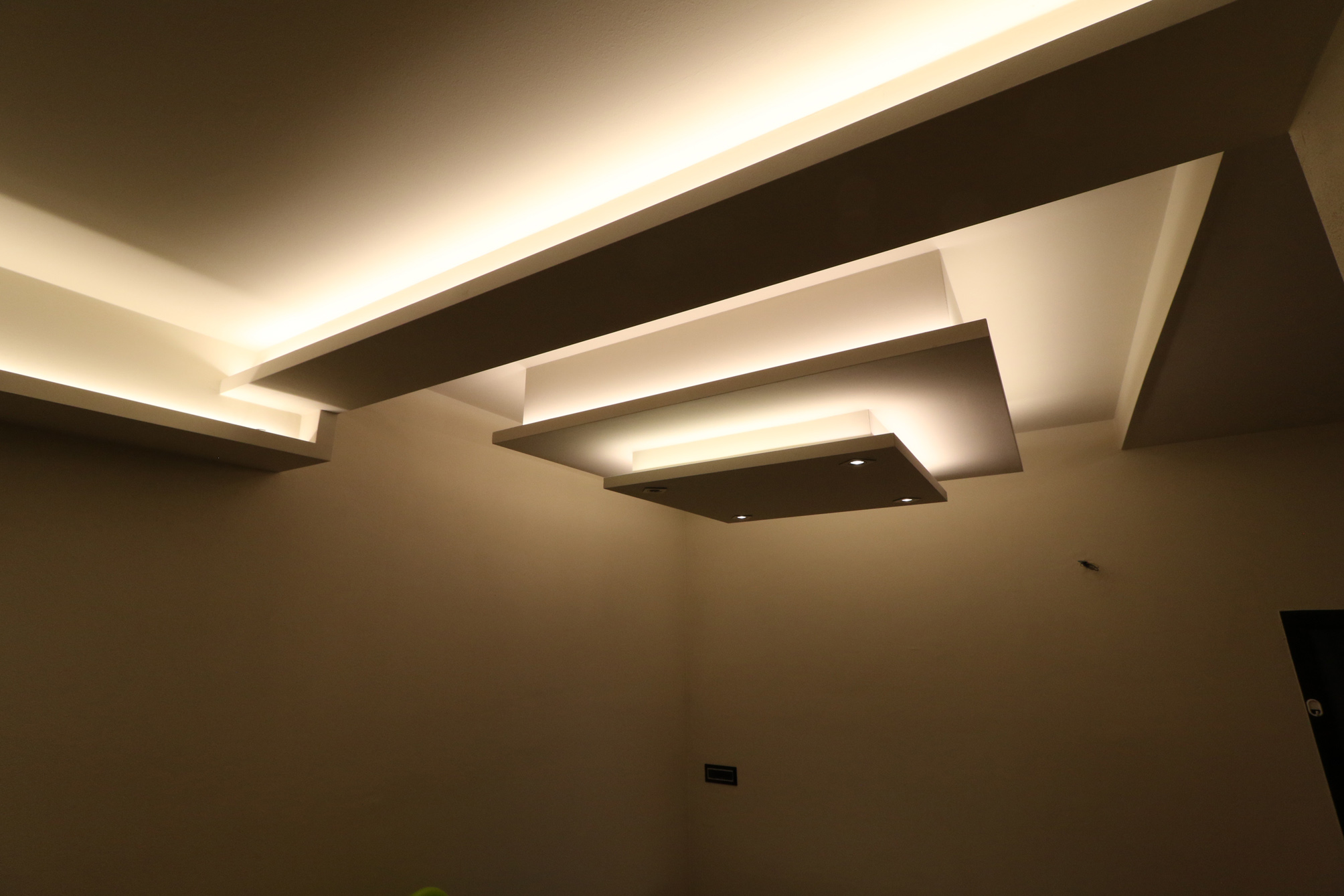 Illuminazione indiretta con le strip led forcolini lighting